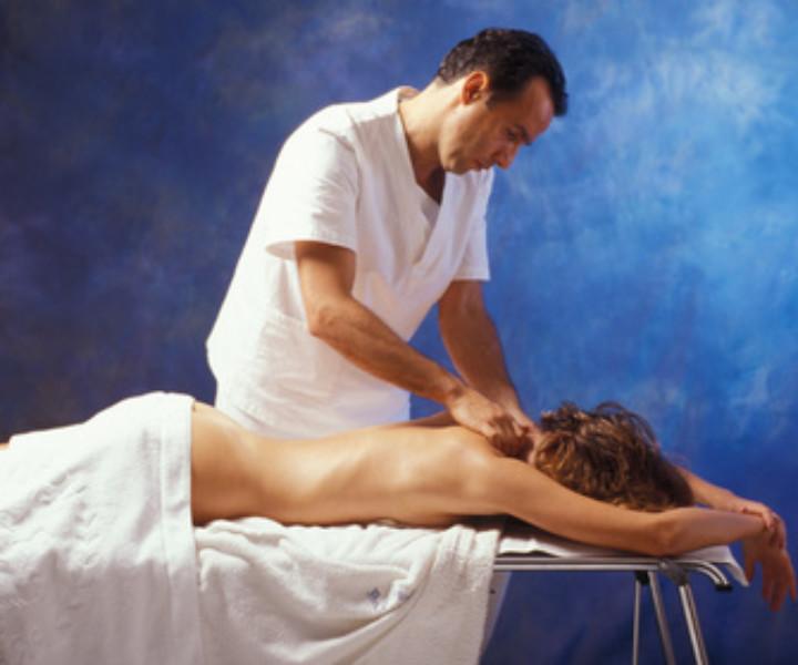 Massaggi prima del matrimonio: un eccellente rimedio per arrivare alle nozze con un volto disteso e in grande forma, in particolare con il massaggio antistress!