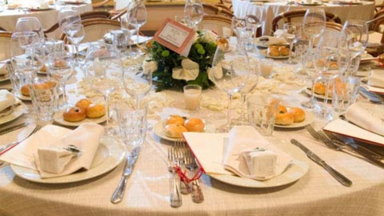 Addobbi ricevimento matrimonio e decorazioni floreali che creano atmosfera