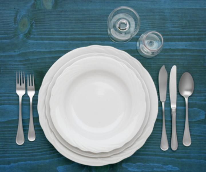 Regali per matrimonio: è ora di scegliere i piatti per il futuro nido? Prima di farlo, imparate in quale modo individuare quelli perfetti come regali di nozze
